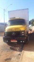 Vende - se caminhão 1519 com moto de 1620