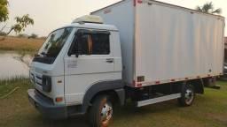 Título do anúncio: Caminhão Volkswagen 5.140 delivery ano 2010/2011