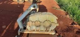 Redutor 3 eixo com motor de bomba hidráulica