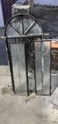 Vende-se 1 janela de ferro