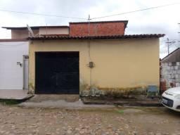 Casa com 4 quartos,garagem,sala e quintal