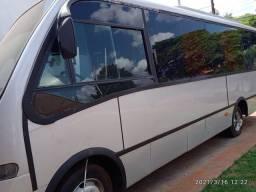 Vendo troco microonibus 2003 M Bens 20 passageiros