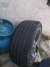 Título do anúncio: Vendo jogo de pneus  225 45