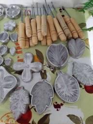 Título do anúncio: Kit Frisador Flores em Eva 41 peças (forma para flores)