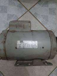 Vendo dois motores weg 1,5 cv 1730 rpm monofasico 220