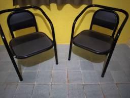 2 cadeiras tubulares em otimo estado  forrada recentemente