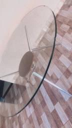 Mesa linda de vibro redonda sem cadeiras