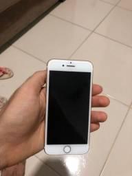 iPhone 7 novíssimo, muito conservado, o valor é negociável!
