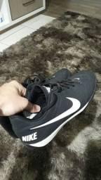 Título do anúncio: Tenis de futsal Nike 41