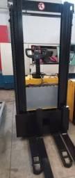 Título do anúncio: Paleteira eletrica tracionada Skam 1.600kg