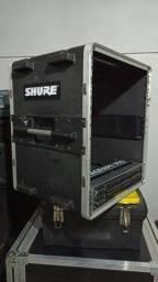 Case de Fibra 10 unidades Rockcase e Equalizador Behringer FBQ3102 em ótimo estado