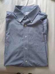 Camisa azul usada