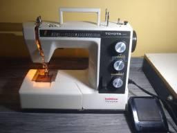 Máquina de costura R$680,00