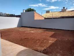 Linda Casa Quintal amplo Santa Luzia Próximo Colégio Militar