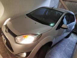 Ford fiesta sedan se 1.6 8v 4p flex/gnv - 2014