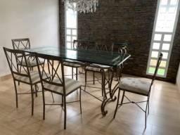 Sala de jantar e aparador
