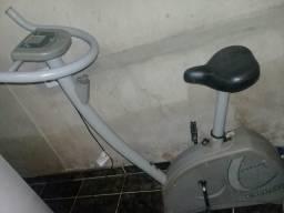 Vendo bicicleta para exercício