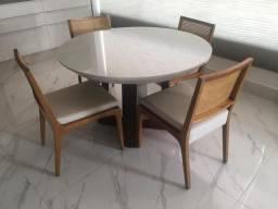Conjunto Mesa + Cadeiras