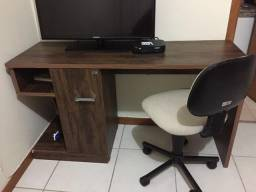 Mesa escrivaninha com cadeira