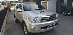 Hilux sw4 7 lugares - 2011