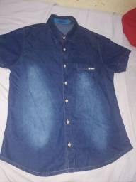 Camisa jeans  usada uma vez de 40$ Reis