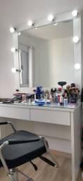 Cadeira de maquiagem e Camarim