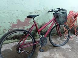 Bike vermelha aro 26, corrente nova, pegar e andar!!! Aceito cartão