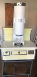 Vendo máquina de sorvete (modelo antigo)