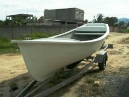 Barco de fibra modelo Navatec 5 mt. novo