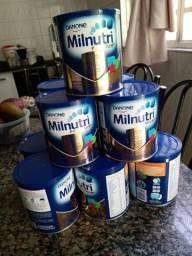 Título do anúncio: Leite milnutri 800g 25 reais cada latas