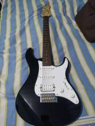 Guitarra Yamaha Pacífica 012 + Bag