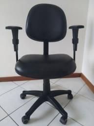 Título do anúncio: VENDO cadeira de escritório SEMI NOVA