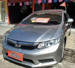 Civic 1.8 Aut 2013 (Tanque cheio + Transferência grátis + Brinde surpresa) é na Macedo Car - 2013