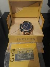 L tem um relógio Invicta para trocar e revende e venda troca em celular