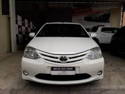 Toyota 2013 etios xs hatch Flex completo branco confira - 2013