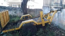 Carretinha Abaixei para sair hoje,usada reforçada suporta até 3.000kls - 2012