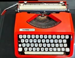 Máquina De Escrever Antiga Hermes Baby Laranja