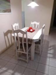 Mesa/ 4 cadeiras