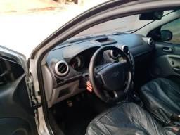 Vendo ford fiesta sedan 1.6 completo - 2010