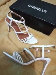 Vendo sandália Branca n*36
