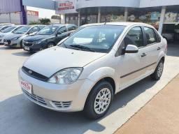 Fiesta sedan 1.0 8v 2005