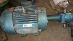 Vendo motor weg 7.5 cv trifasico com bomba hidraulica