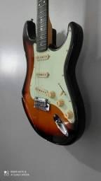Guitarra Stratocaster Tagima 635