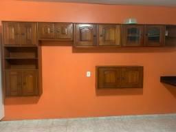 Título do anúncio: Vendo armário de madeira fixado na parede .