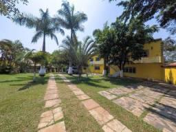 Título do anúncio: Chácara em Ferraz de Vasconcelos com piscina, salão de festa e alojamentos; ótimo para inv