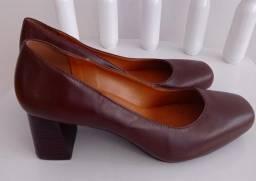 Sapato scarpin couro legítimo marrom 36 + brinde