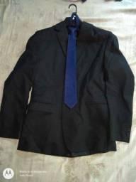 Terno + gravata nunca usado 120 reais