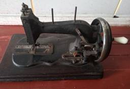 Maquina de manivela antiga