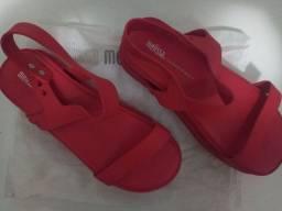 Melissa koenji as vermelho