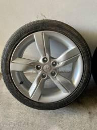 """Rodas do Veloster com pneus 215/45 17"""" seminovas"""